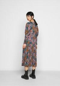 Never Fully Dressed Petite - LUCY DAKOTA DRESS - Vapaa-ajan mekko - multi - 2