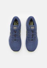 ASICS - GEL KAYANO 28 - Stabilty running shoes - thunder blue/glow yellow - 3