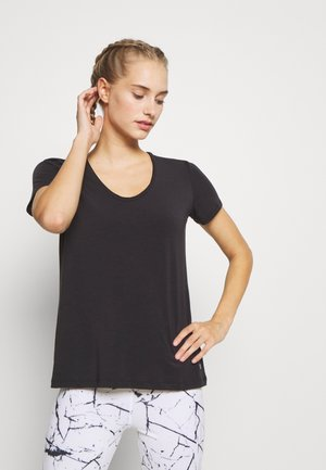 BREATHE NECK TEE - Jednoduché triko - true black