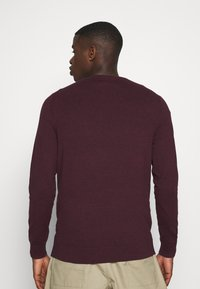 Burton Menswear London - FINE GAUGE CREW  - Maglione - burgundy - 2