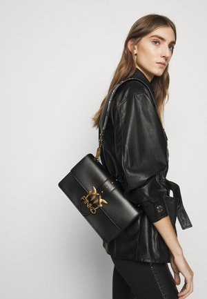 LOVE CLASSIC ICON - Across body bag - black