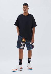PULL&BEAR - SPACE JAM - Shorts - mottled black - 1