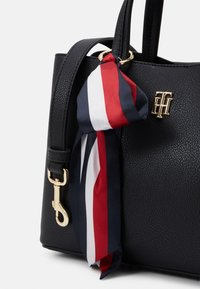 Tommy Hilfiger - CHARMING SATCHEL - Torebka - black - 3