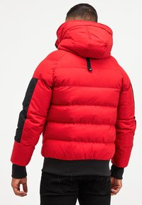 Kings Will Dream - BROMLEY PUFFER BOMBER JACKET - Viegla jaka - red - 3