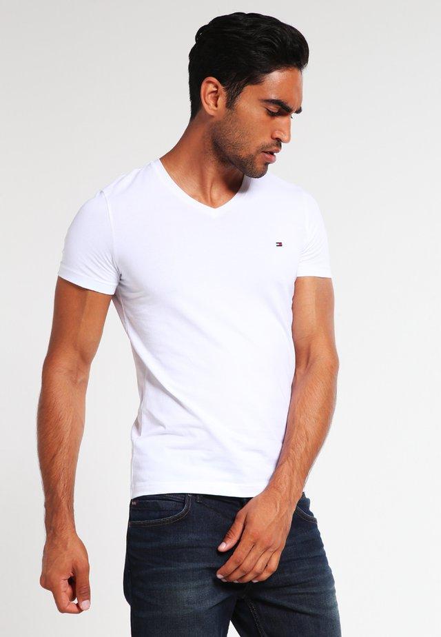 Jednoduché triko - classic white