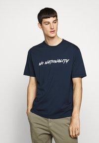 NN07 - DYLAN TEE  - T-shirt imprimé - navy blue - 0