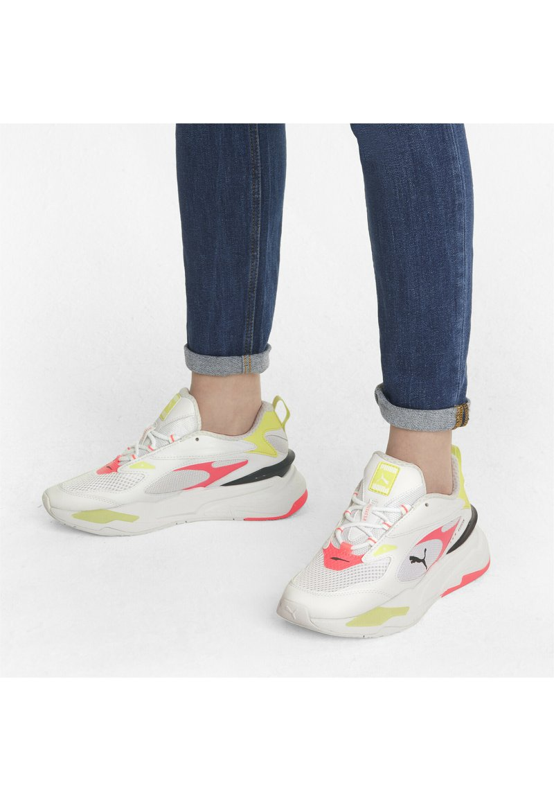 Puma - RS-FAST POP WN'S - Sneakers laag - puma white-ignite pink-soft fluo yellow