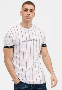 Kings Will Dream - CLIFTON - Print T-shirt - white / red - 0