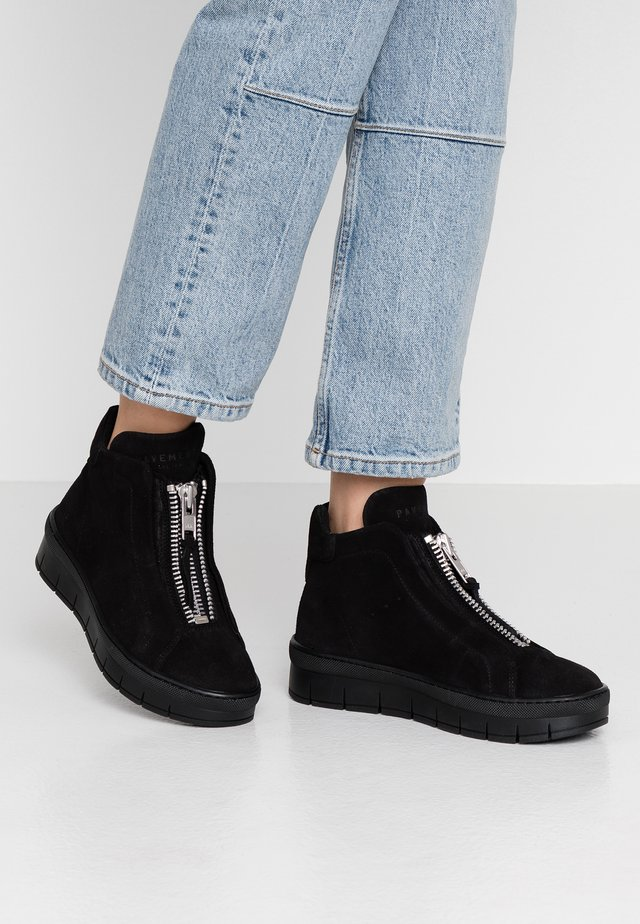MADDIE - Ankle boot - black