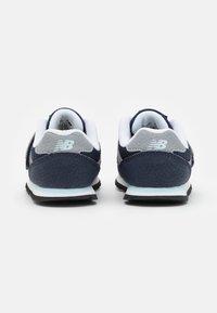 New Balance - IV393CBK UNISEX - Sneakers - navy - 2