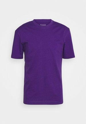 JJERELAXED TEE O-NECK - T-shirt basic - acai
