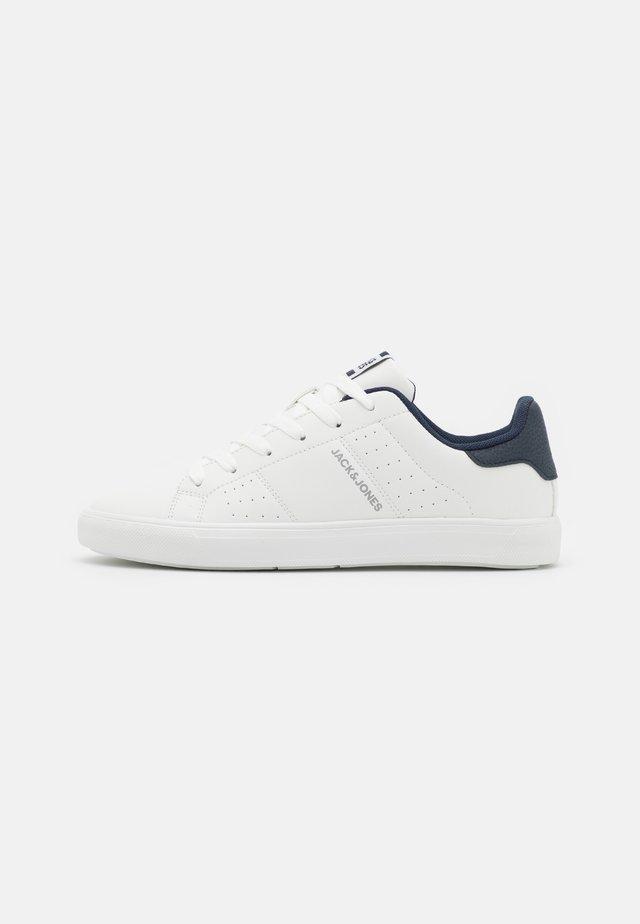 JFWEALING - Baskets basses - white/navy blazer
