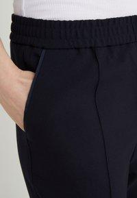 Filippa K - FIONA PEG - Pantalon classique - navy - 4