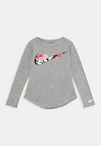 Nike Sportswear - TOKYO FLORAL TEE - Long sleeved top - carbon heathter/black/white/pink - 0