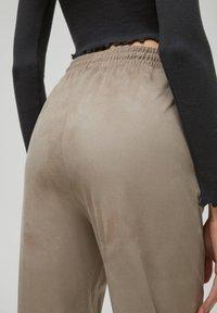 PULL&BEAR - Tracksuit bottoms - beige - 5