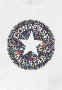 Converse - PRINT FILLED TEE - Top sdlouhým rukávem - white - 2