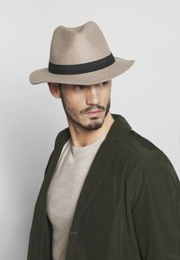 Only & Sons - ONSCARLO FEDORA HAT - Hat - chinchilla - 1