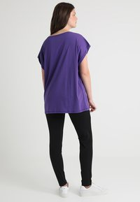 Urban Classics Curvy - LADIES EXTENDED SHOULDER TEE - Basic T-shirt - ultraviolet - 2