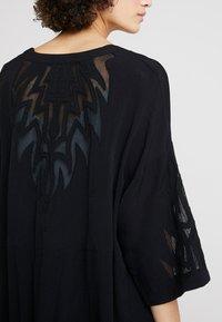 Culture - SICILLA KIMONO - Summer jacket - black - 4