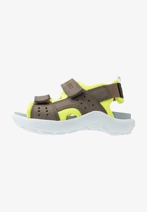 WOUS - Chodecké sandály - khaki