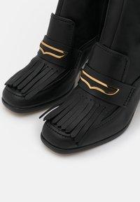 Alberta Ferretti - FRINGE BOOT - Boots - black - 4