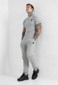 Le Fix - PATCH TEE - T-shirt basique - grey melange - 1
