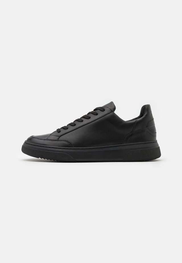 OFF COURT - Sneakers laag - all black