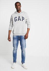 GAP - ARCH - Hoodie - light heather grey - 1