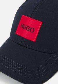 HUGO - UNISEX - Cap - dark blue - 3
