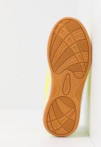 Kappa - FURBO UNISEX - Sports shoes - yellow/black - 5