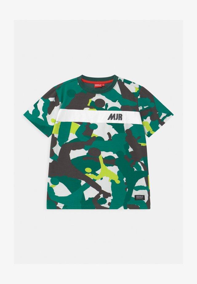 TAYO UNISEX - Print T-shirt - mallard green
