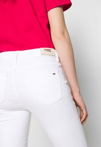 Tommy Jeans - NORA ANKLE ZIP - Jeans Skinny Fit - candle white - 3