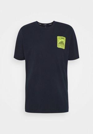 TERREX PATCH MOUNTAIN TEE - T-shirts print - legend ink