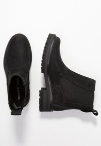 Timberland - COURMAYEUR VALLEY CHELSEA - Classic ankle boots - black - 3