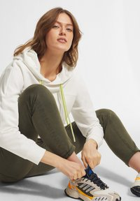 comma casual identity - Hoodie - offwhite - 4