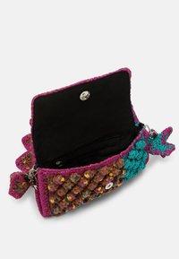M Missoni - BAGUETTE PUNTO NOCCIOLA - Across body bag - purple - 3