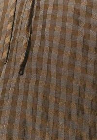 Glamorous Tall - LADIES DRESS GINGHAM - Košilové šaty - olive metallic - 5