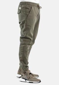Reell - REFLEX RIB - Trousers - olive - 2
