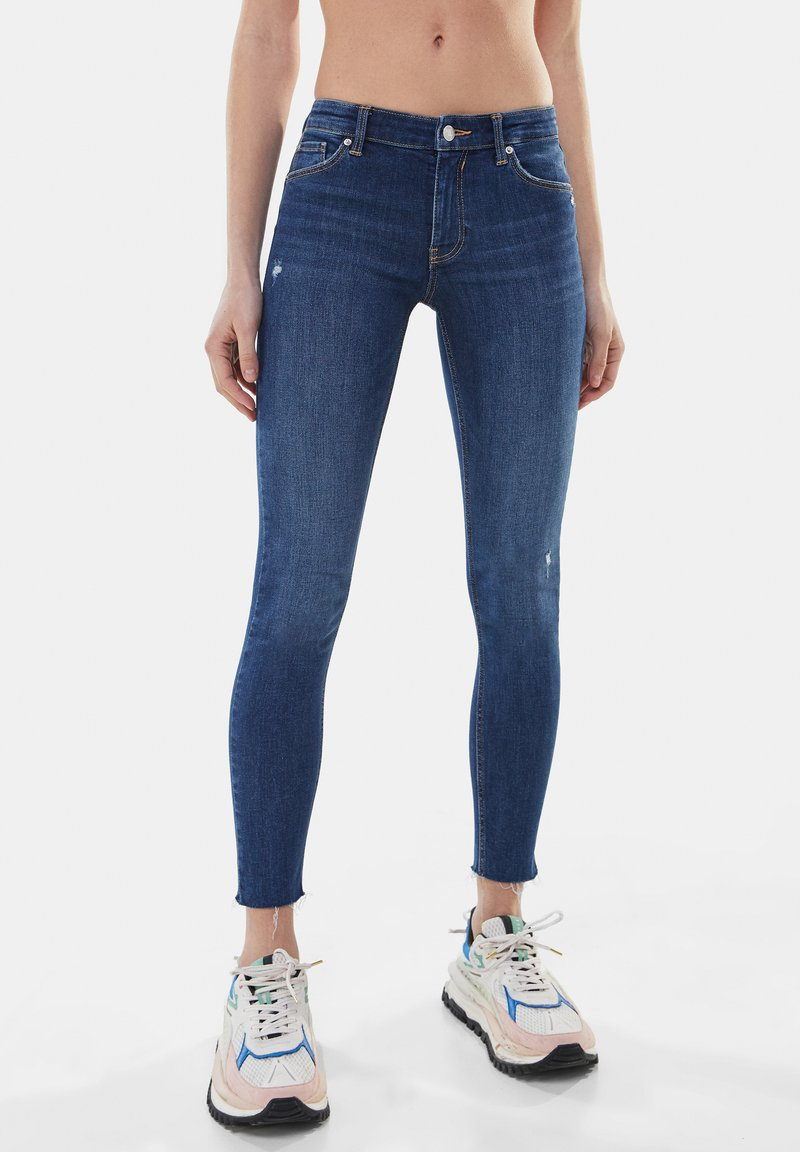 Bershka - LOW WAIST PUSH UP - Jeans Skinny Fit - dark blue