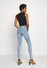 ONLY - ONLPAOLA DESTROY  - Jeans Skinny Fit - light blue denim - 2