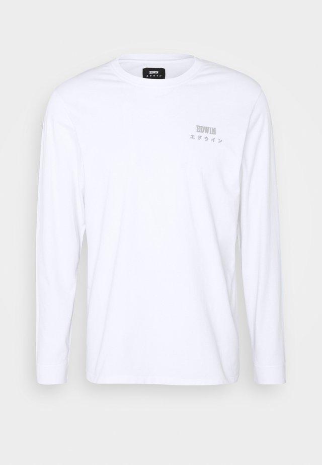 EDWIN LOGO CHEST TS LS UNISEX - T-shirt à manches longues - white