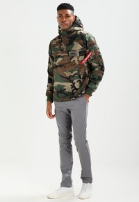 Alpha Industries - ANORAK - Jas - woodland - 1