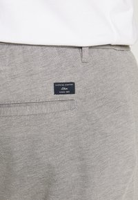 s.Oliver - Tracksuit bottoms - asche - 5