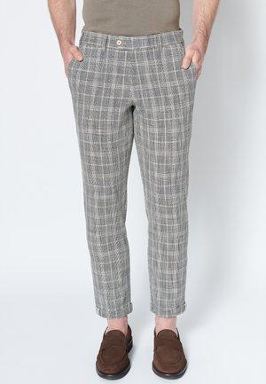 Chino - brown check gray