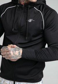 SIKSILK - SCOPE SIGNATURE TAPE ZIP THROUGH HOODIE - Training jacket - black - 4