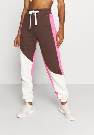 LEGACY JOGGER - Pantalon de survêtement - disco pink combo