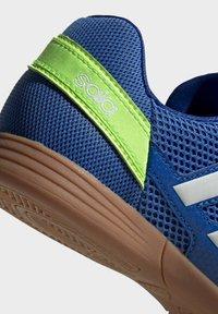 adidas Performance - TOP SALA UNISEX - Indoor football boots - globlue/white/royalblue - 4