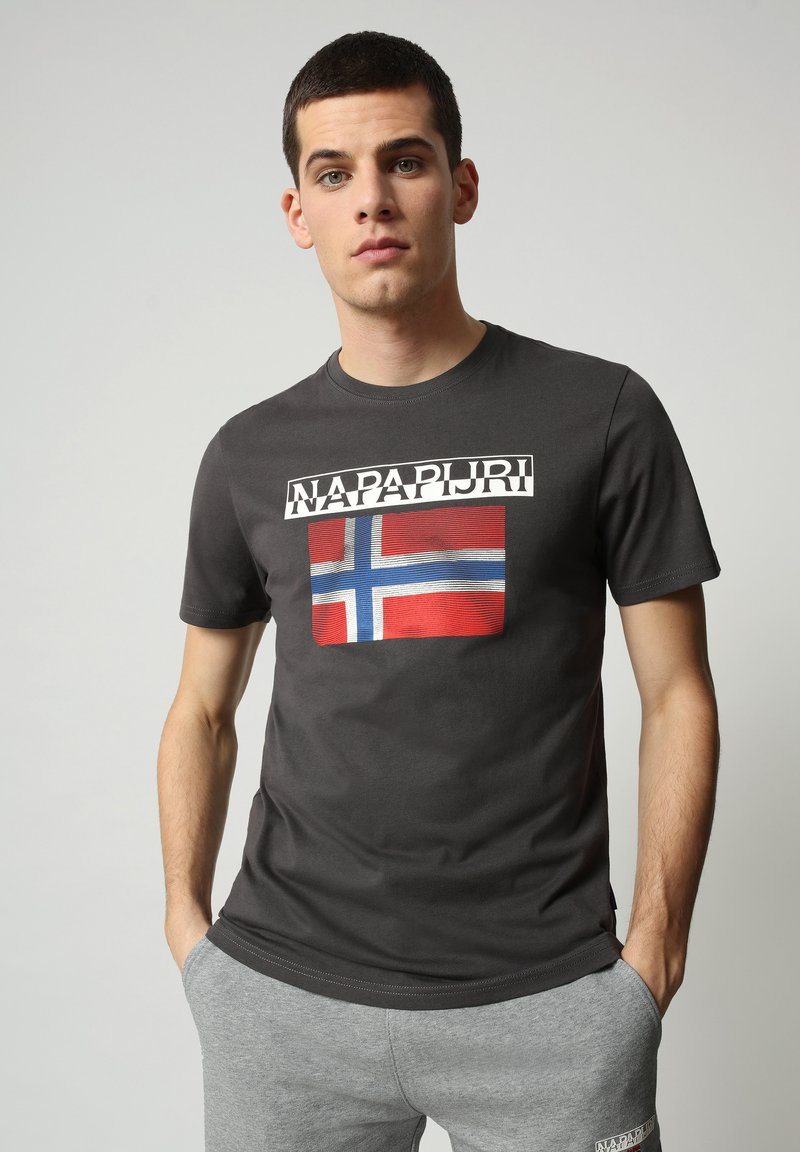 Napapijri - S-SURF FLAG - Print T-shirt - dark grey solid