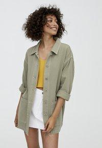 PULL&BEAR - IM WORKWEAR LOOK - Summer jacket - khaki - 0