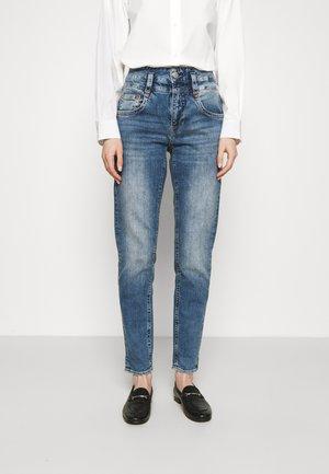 PITCH CONIC  - Slim fit jeans - retro marvel
